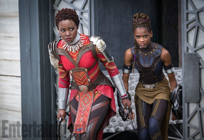Nakia (Lupita Nyong'o) und Black Panthers Schwester Shuri (Letitia Wright)