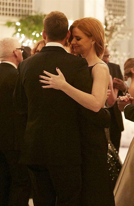 """Erste Bilder zur Hochzeit von Mike und Rachel in """"Suits"""""""