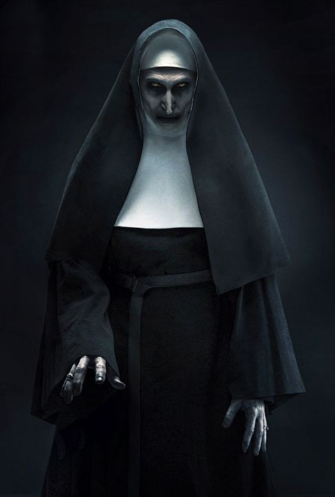 "Die Horror-Nonne Valak (Bonnie Aarons) in ""The Nun"""