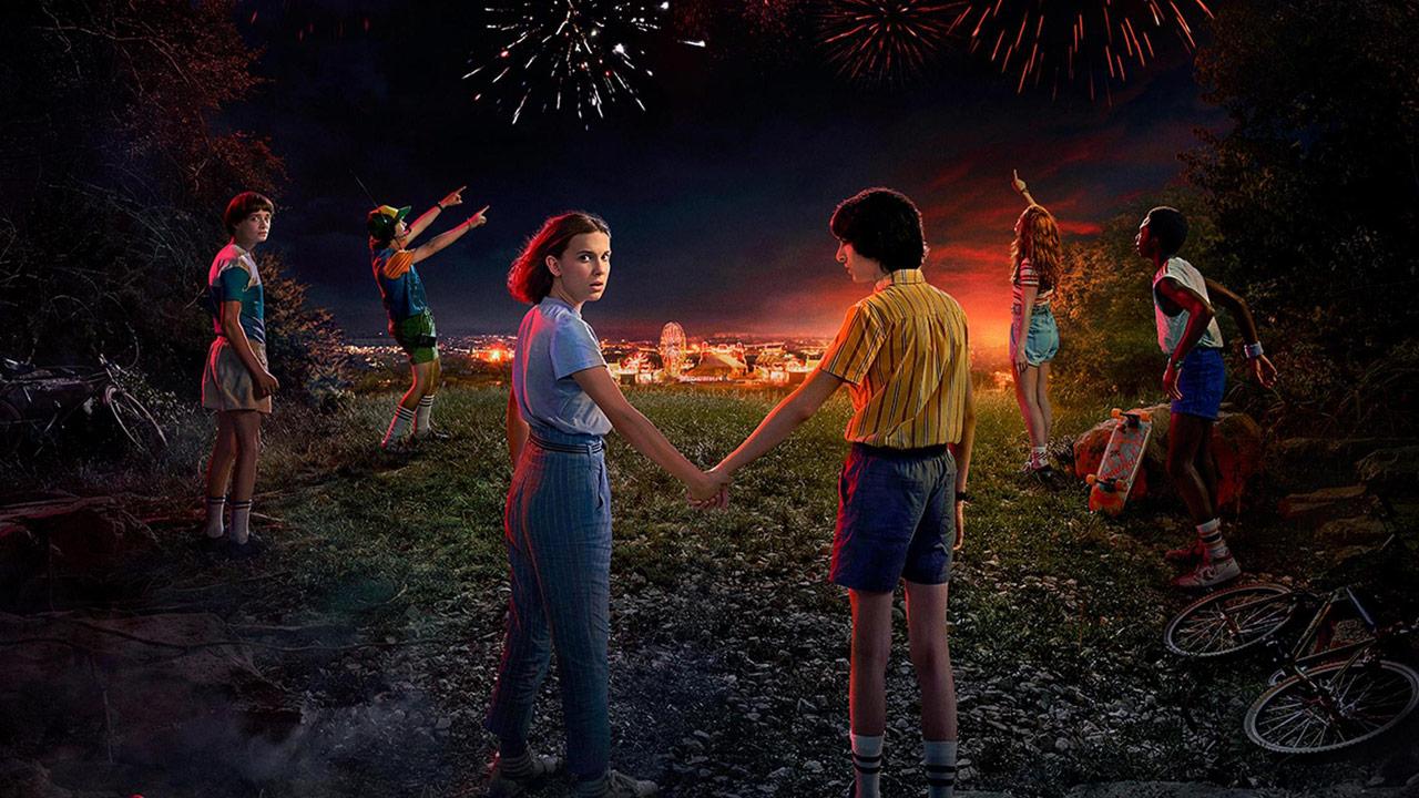 """""""Stranger Things"""" macht auf """"Baywatch"""": Neues Video und schicke Poster zur 3. Staffel"""
