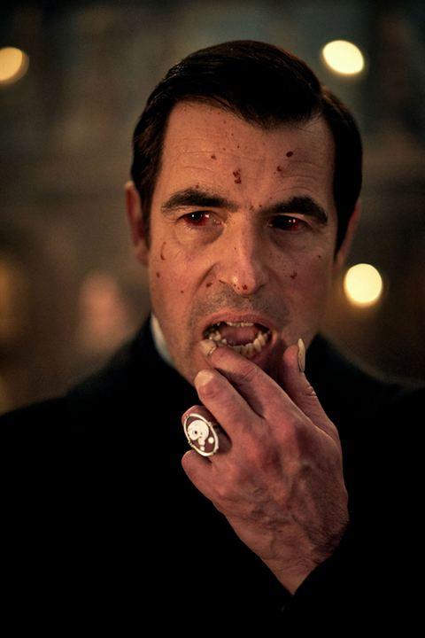 Claes Bang als Dracula