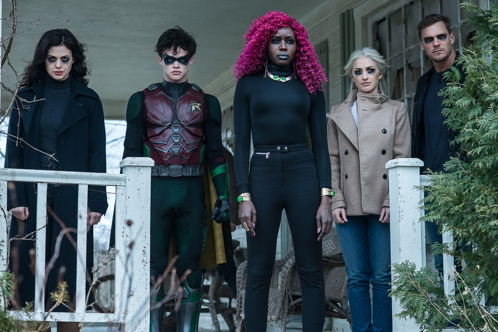 Donna Troy, Robin, Starfire, Dove und Hawk in böse