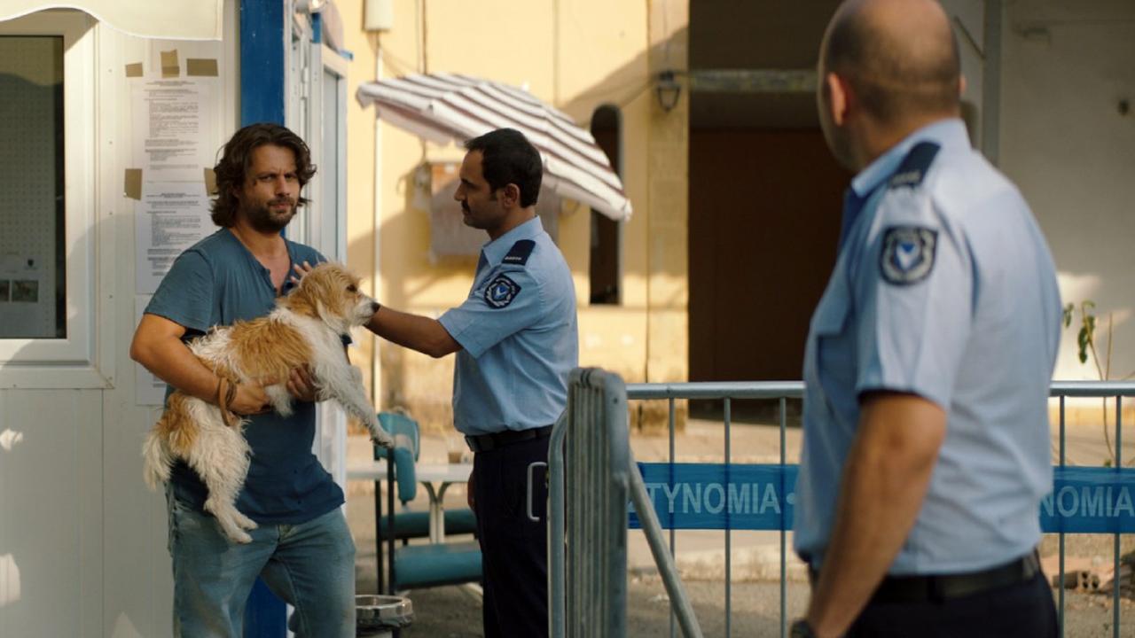 """Deutscher Trailer zu """"Smuggling Hendrix"""": Der Zypernkonflikt als skurrile Komödie"""