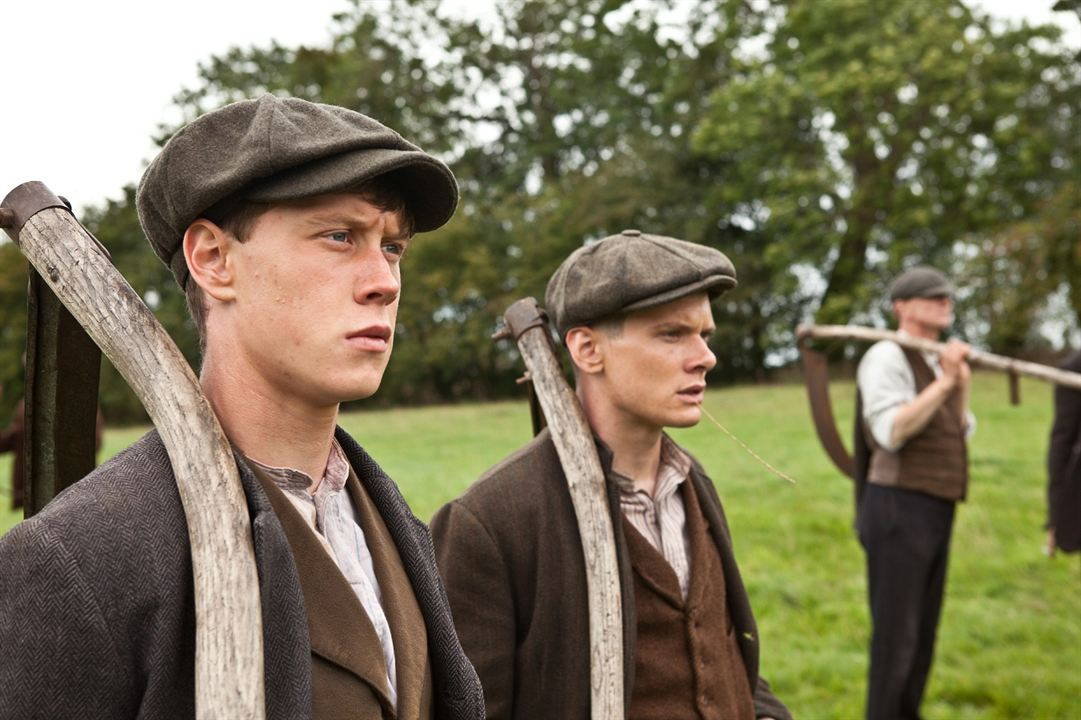 Private Peaceful - Mein Bruder Charlie : Bild George MacKay, Jack O'Connell