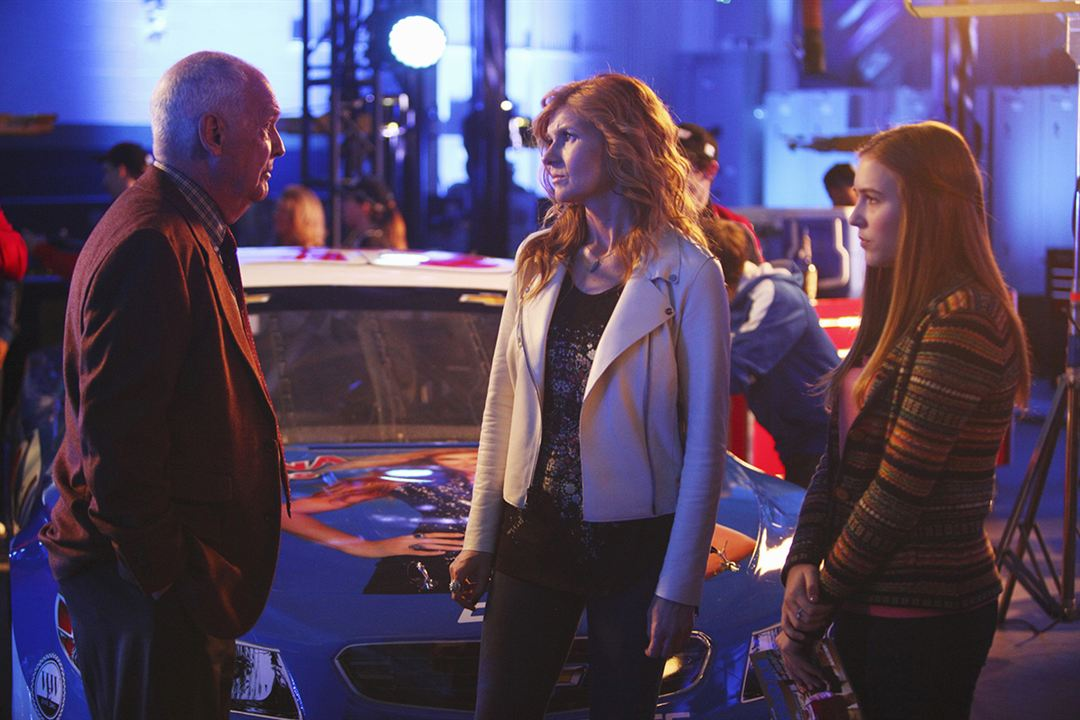 Bild Connie Britton, Lennon Stella, Nicholas Pryor