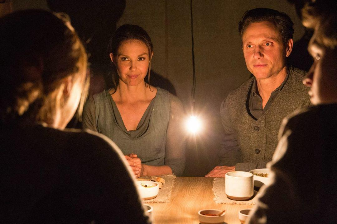 Die Bestimmung - Divergent : Bild Ashley Judd, Tony Goldwyn