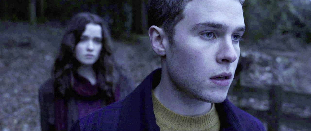 In Fear : Bild Alice Englert, Iain De Caestecker