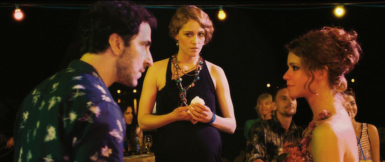 Love Island : Bild Ada Condeescu, Ariane Labed, Leon Lucev