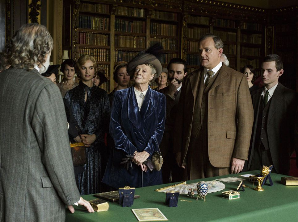 Bild Hugh Bonneville, Lily James, Maggie Smith