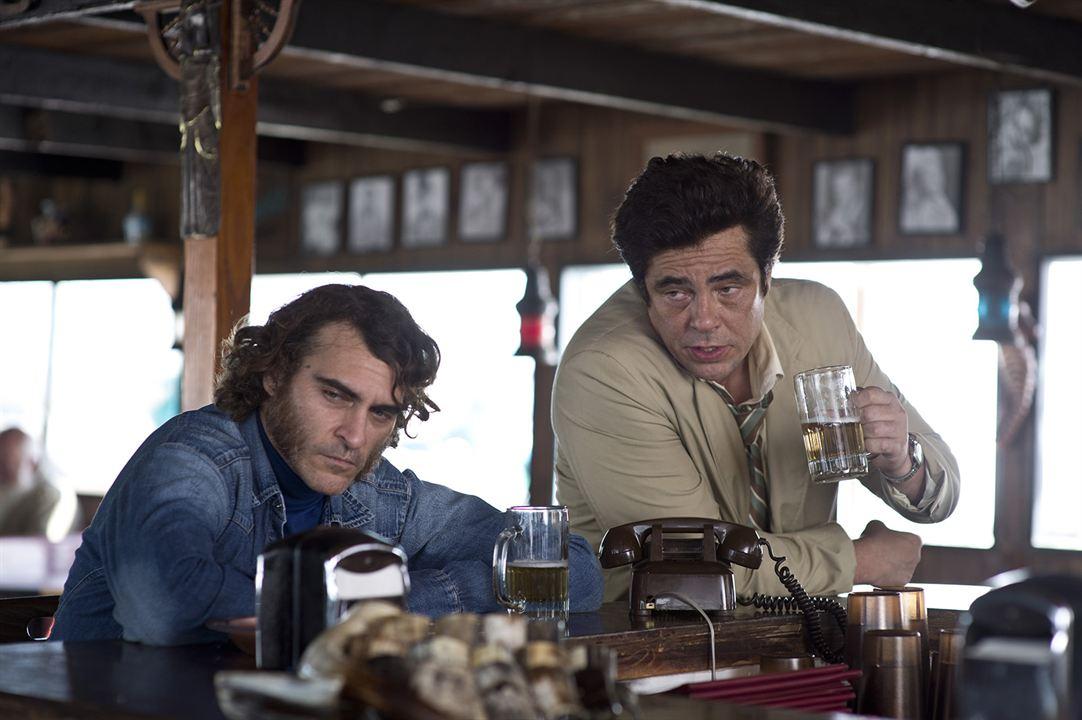 Inherent Vice - Natürliche Mängel : Bild Benicio Del Toro, Joaquin Phoenix
