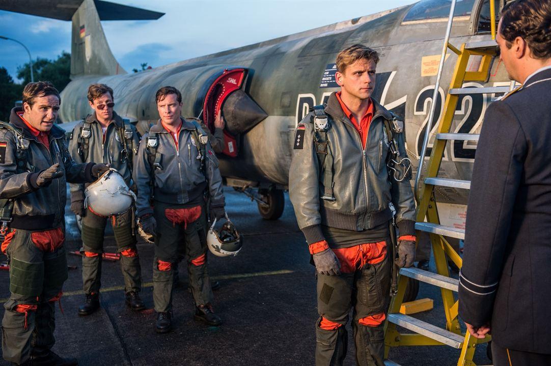 Starfighter - Sie wollten den Himmel erobern : Bild Frederick Lau, Maxim Mehmet, Steve Windolf