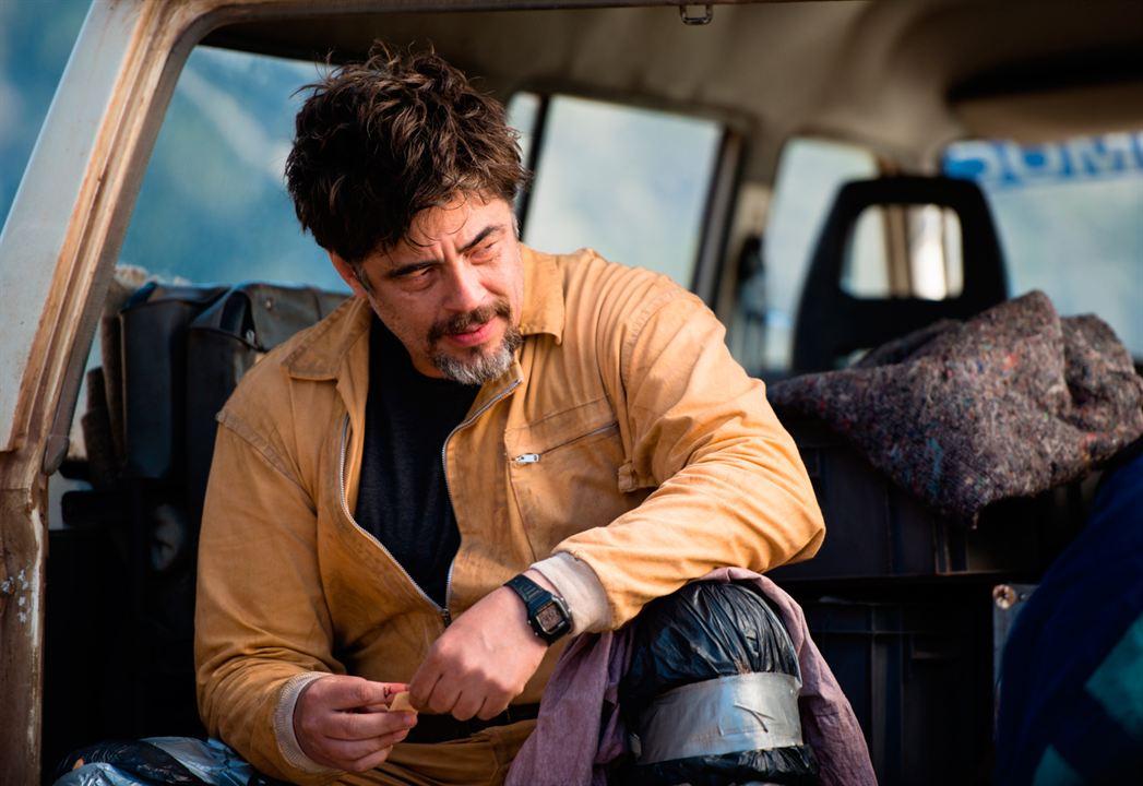 A Perfect Day : Bild Benicio Del Toro