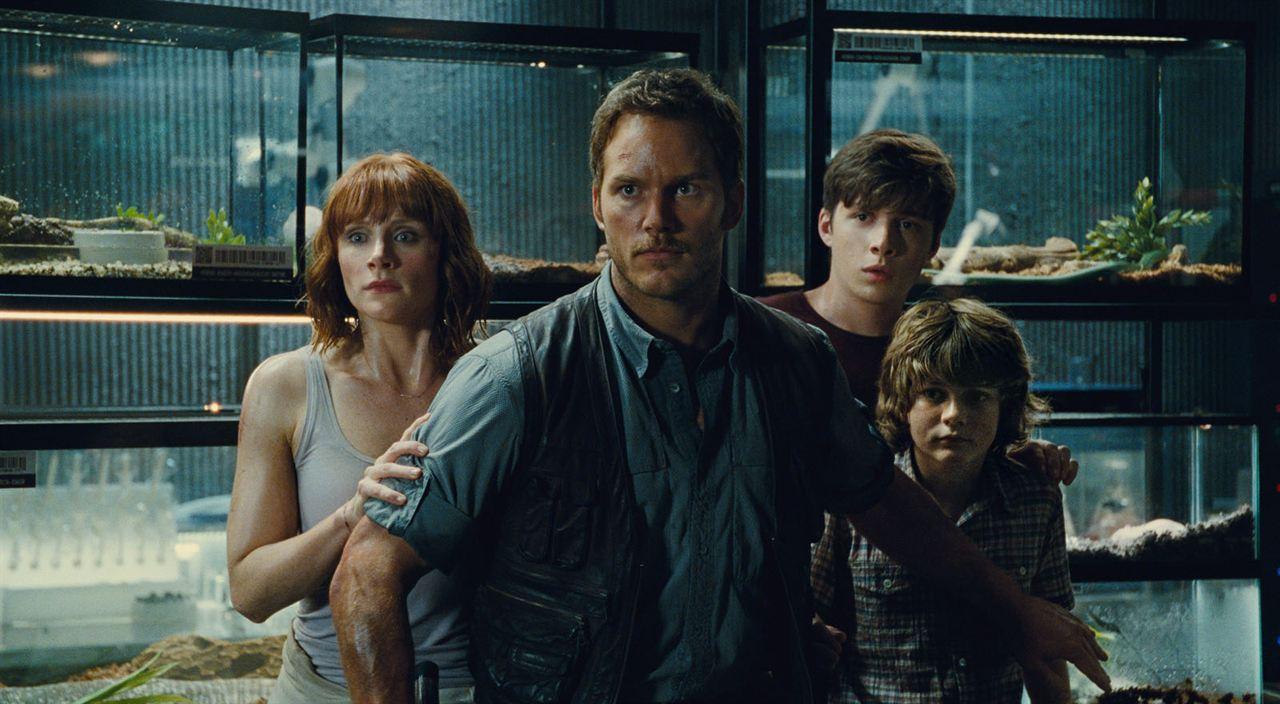 Jurassic World : Bild Bryce Dallas Howard, Chris Pratt, Nick Robinson, Ty Simpkins