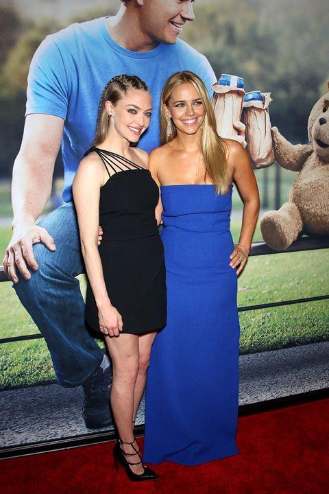 Ted 2 : Vignette (magazine) Amanda Seyfried, Jessica Barth