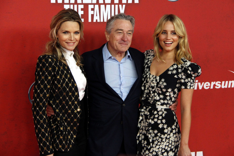 Malavita - The Family : Vignette (magazine) Dianna Agron, Michelle Pfeiffer, Robert De Niro