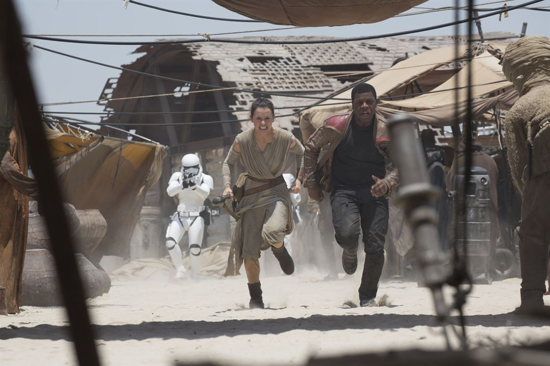 Star Wars: Das Erwachen der Macht : Bild Daisy Ridley, John Boyega
