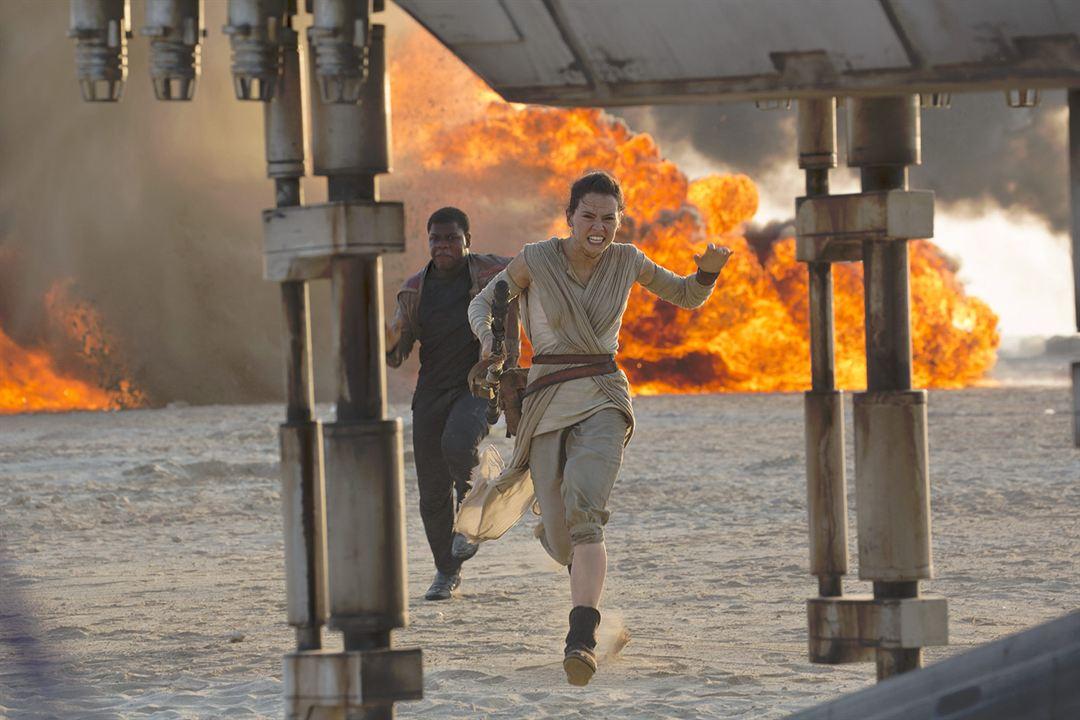 Star Wars 7: Das Erwachen der Macht : Bild Daisy Ridley, John Boyega