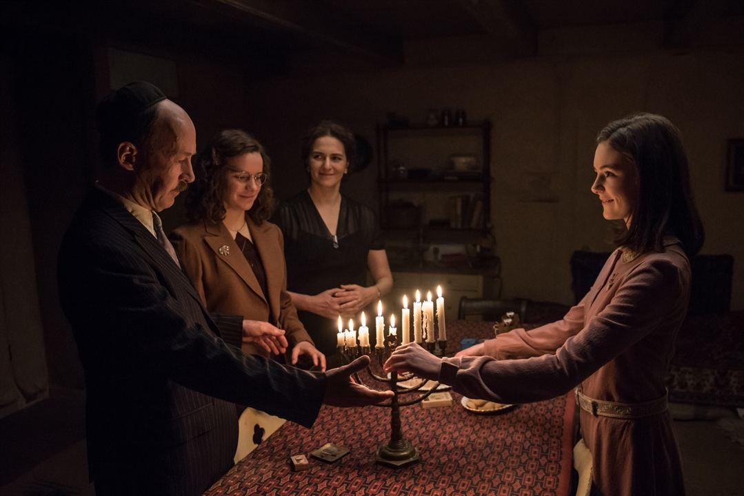 Das Tagebuch der Anne Frank : Bild Lea van Acken, Martina Gedeck, Stella Kunkat, Ulrich Noethen