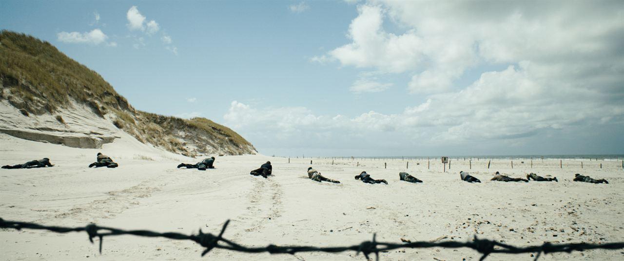 Unter dem Sand - Das Versprechen der Freiheit : Bild