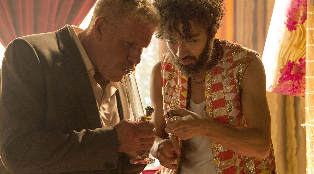 Moonwalkers : Bild Robert Sheehan, Ron Perlman