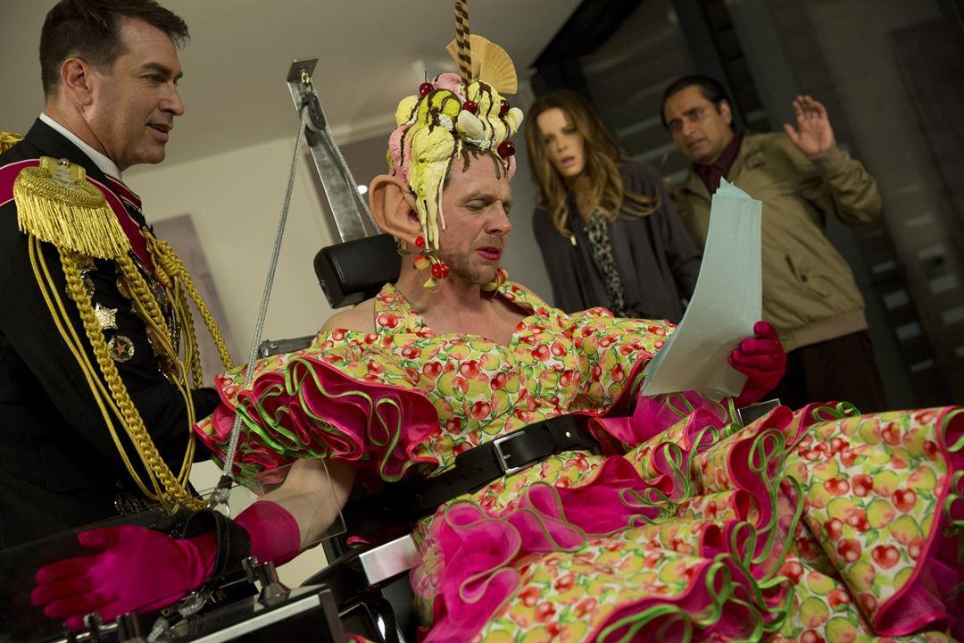 Zufällig allmächtig : Bild Kate Beckinsale, Rob Riggle, Sanjeev Bhaskar, Simon Pegg