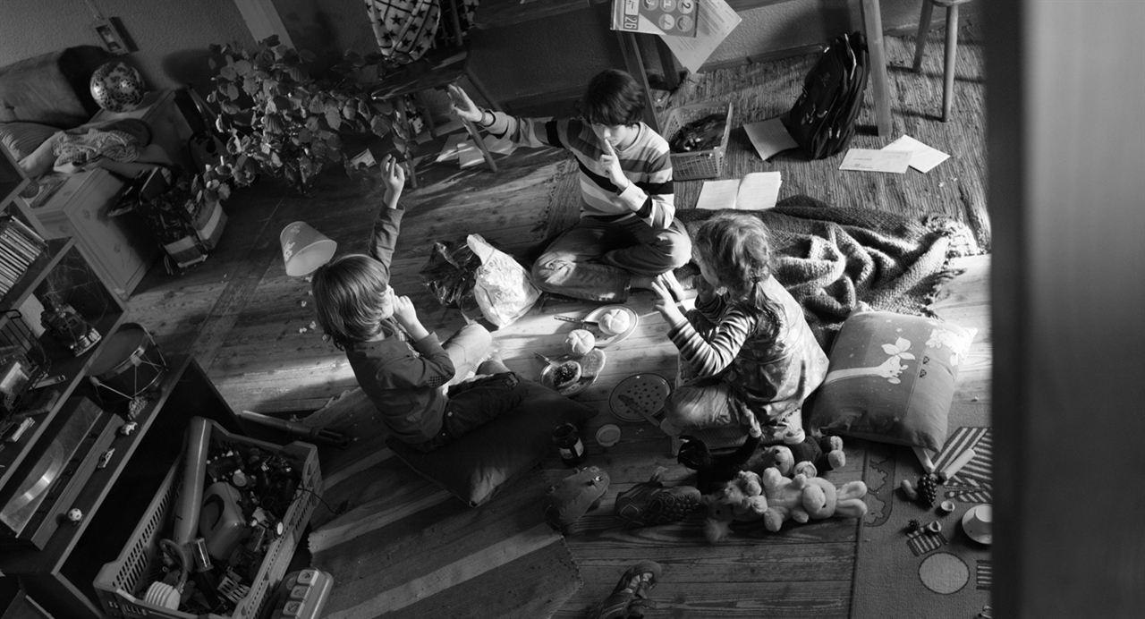 Im Spinnwebhaus : Bild Ben Litwinschuh, Helena Pieske, Lutz Simon Eilert