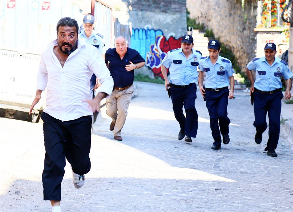 Seytan Tüyü : Bild Güven Kiraç, Mustafa Üstündag