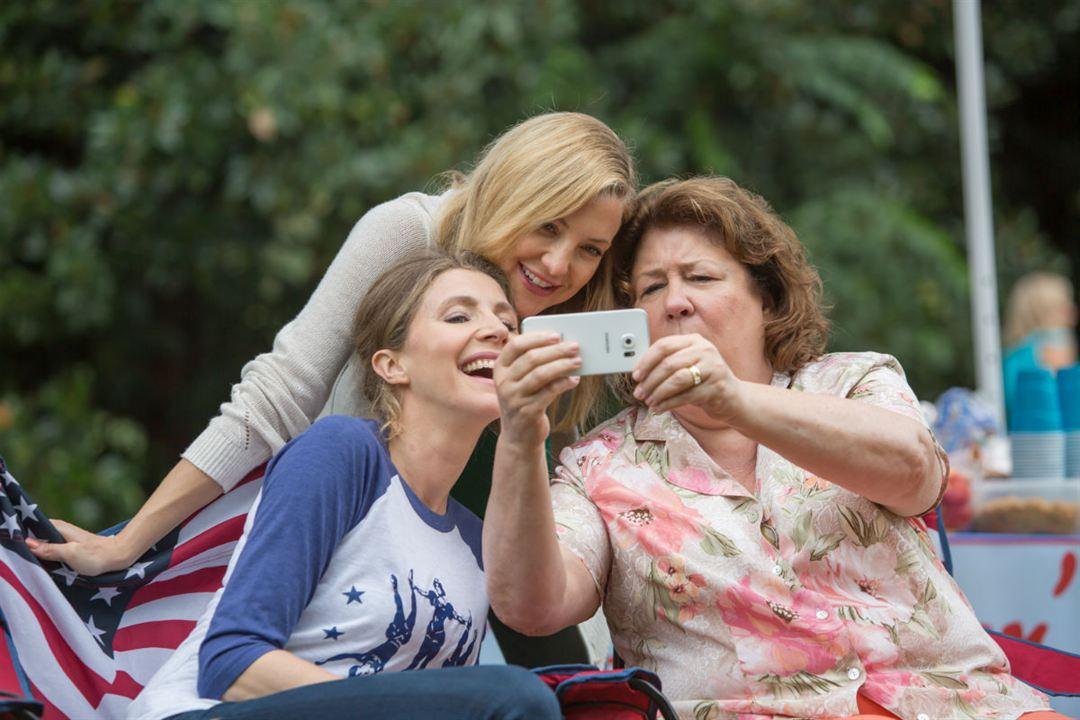 Mother's Day - Liebe ist kein Kinderspiel : Bild Kate Hudson, Margo Martindale, Sarah Chalke