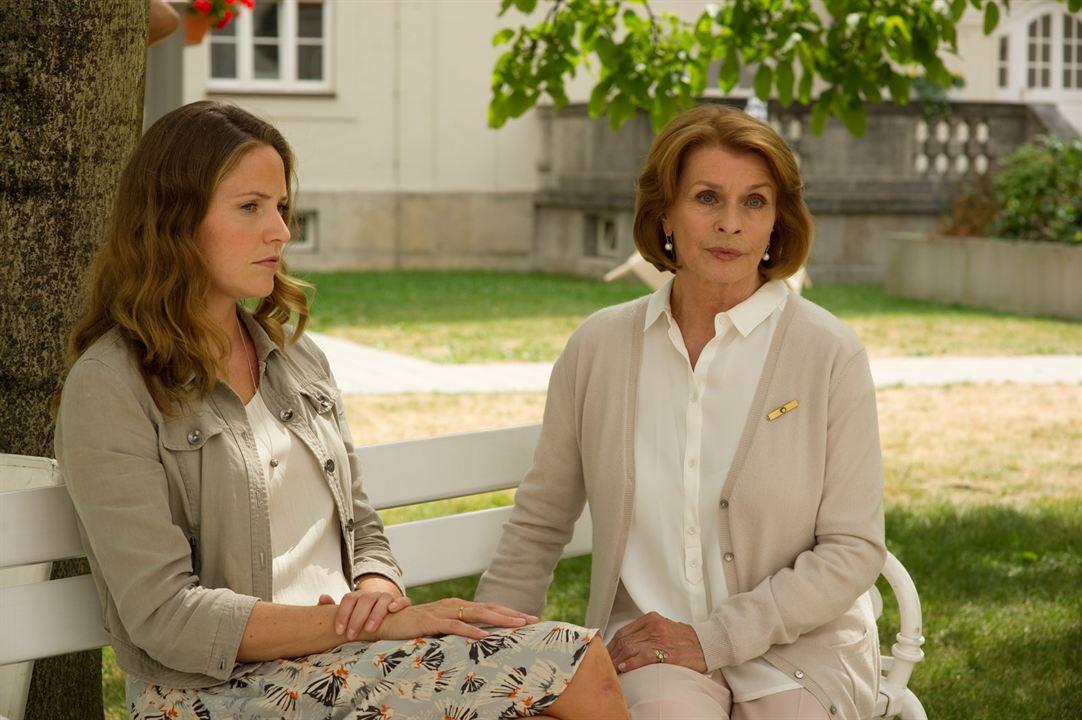 Almuth und Rita : Bild Patricia Aulitzky, Senta Berger