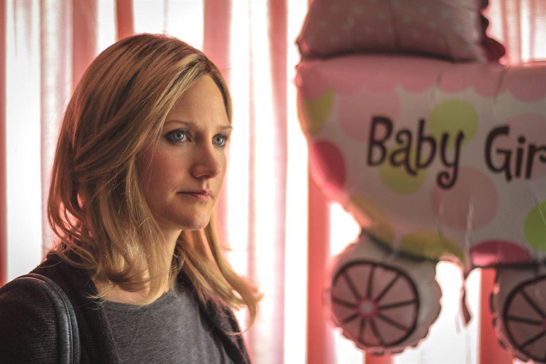 Babyalarm - Kleine Lüge, großer Bauch : Bild Sonja Bennett