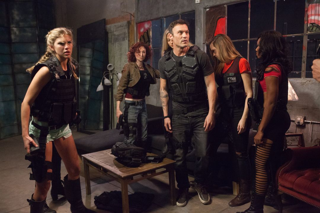 Cross Wars - Das Team ist zurück! : Bild Brian Austin Green, Jilian Seaton, Jordan Rachel, Kelly Aishling Gray, Paige Annette