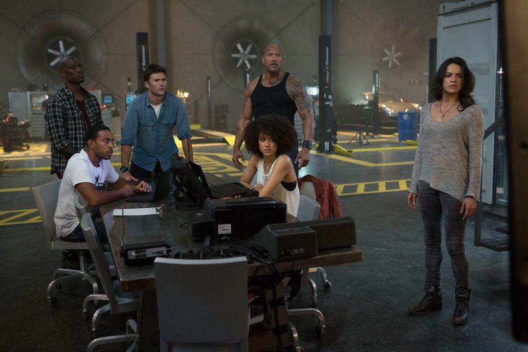 Fast & Furious 8 : Bild Dwayne Johnson, Ludacris, Michelle Rodriguez, Nathalie Emmanuel, Scott Eastwood