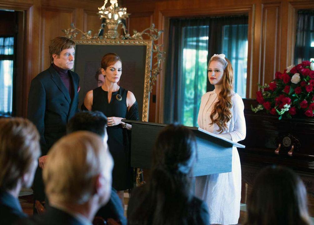 Bild Barclay Hope, Madelaine Petsch, Nathalie Boltt