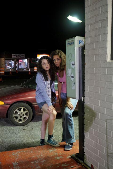 Alles was wir hatten : Bild Katie Holmes, Stefania Owen