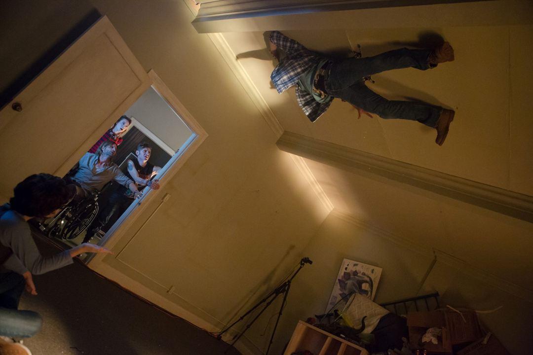 Incarnate - Teuflische Besessenheit : Bild Aaron Eckhart