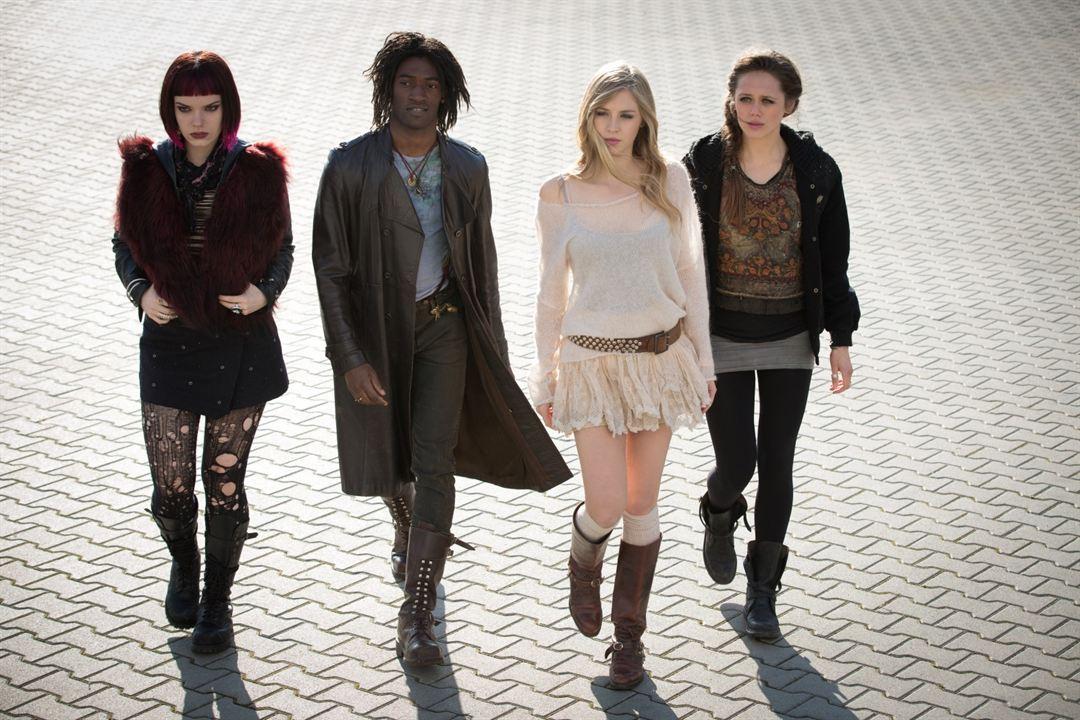 Fallen - Engelsnacht : Bild Daisy Head, Hermione Corfield, Malachi Kirby, Sianoa Smit-McPhee