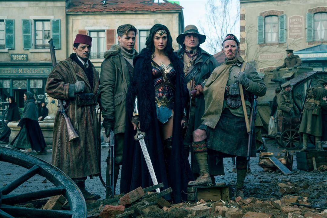 Wonder Woman : Bild Chris Pine, Eugene Brave Rock, Ewen Bremner, Gal Gadot, Saïd Taghmaoui
