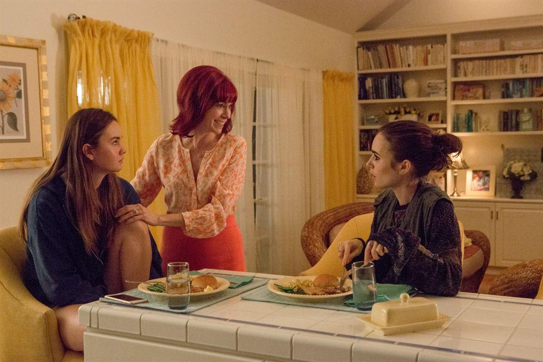 To The Bone : Bild Carrie Preston, Liana Liberato, Lily Collins