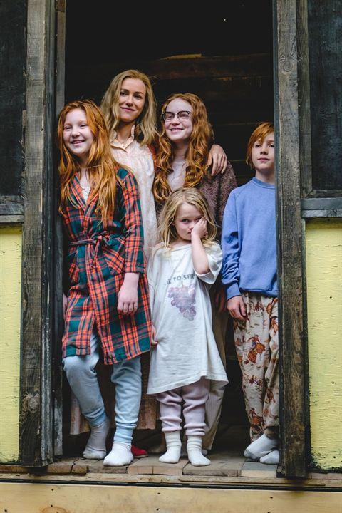 Schloss aus Glas : Bild Charlie Shotwell, Eden Grace Redfield, Ella Anderson, Naomi Watts, Sadie Sink