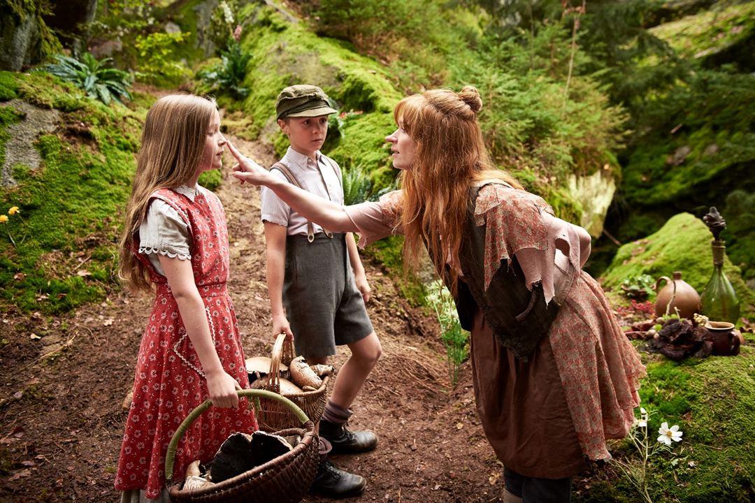Die kleine Hexe : Bild Karoline Herfurth, Luis Vorbach, Momo Beier