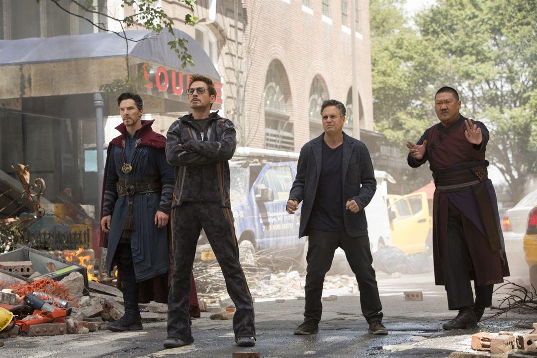 Avengers 3: Infinity War : Bild Benedict Cumberbatch, Benedict Wong, Mark Ruffalo, Robert Downey Jr.