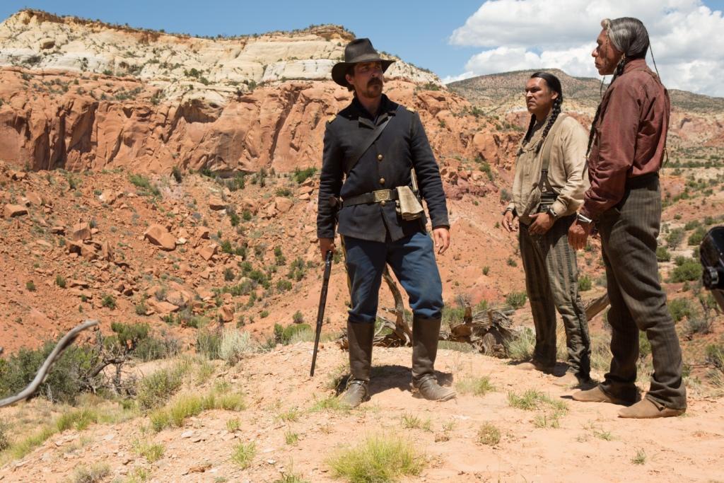 Feinde - Hostiles : Bild Adam Beach, Christian Bale, Wes Studi