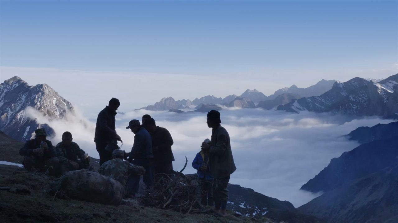 Le peuple au-dessus des nuages