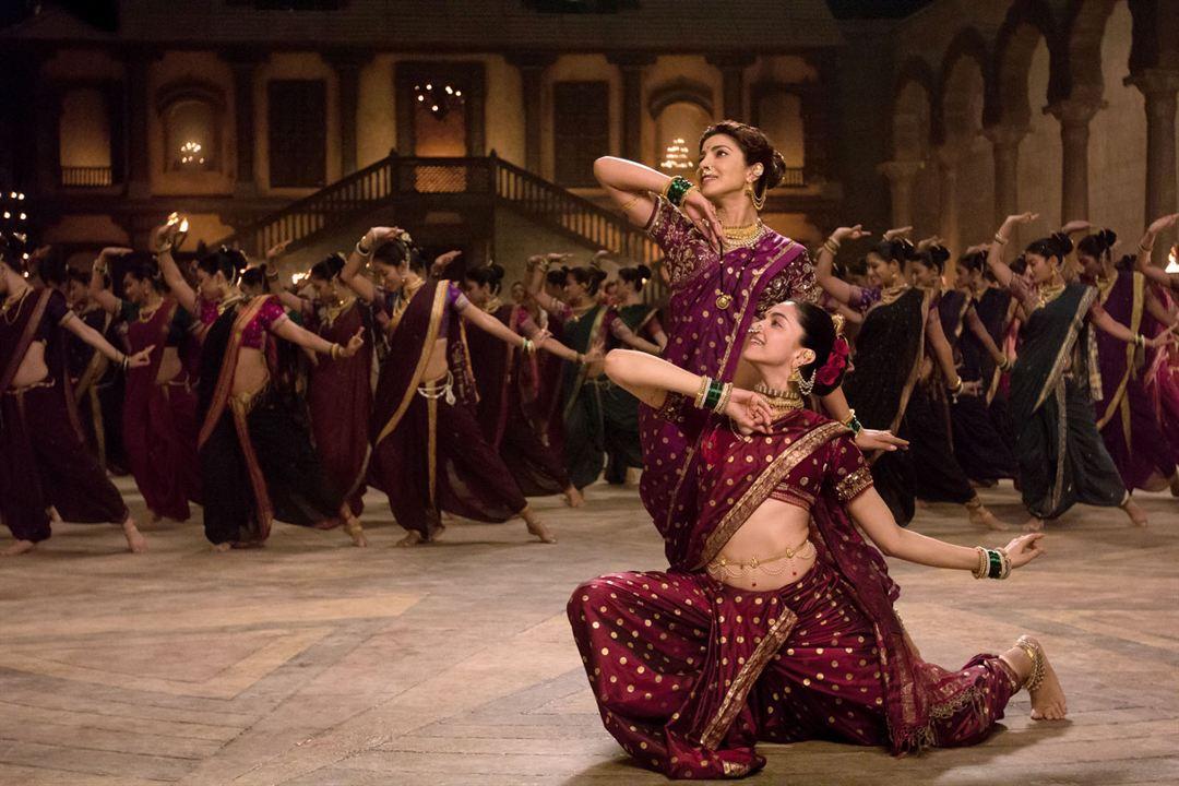 Eine unsterbliche Liebe - Bajirao & Mastani : Bild Deepika Padukone, Priyanka Chopra Jonas