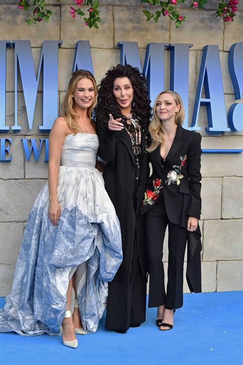 Mamma Mia 2: Here We Go Again : Vignette (magazine) Amanda Seyfried, Cher, Lily James