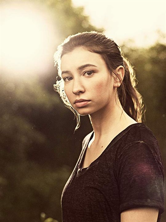 Bild Katelyn Nacon