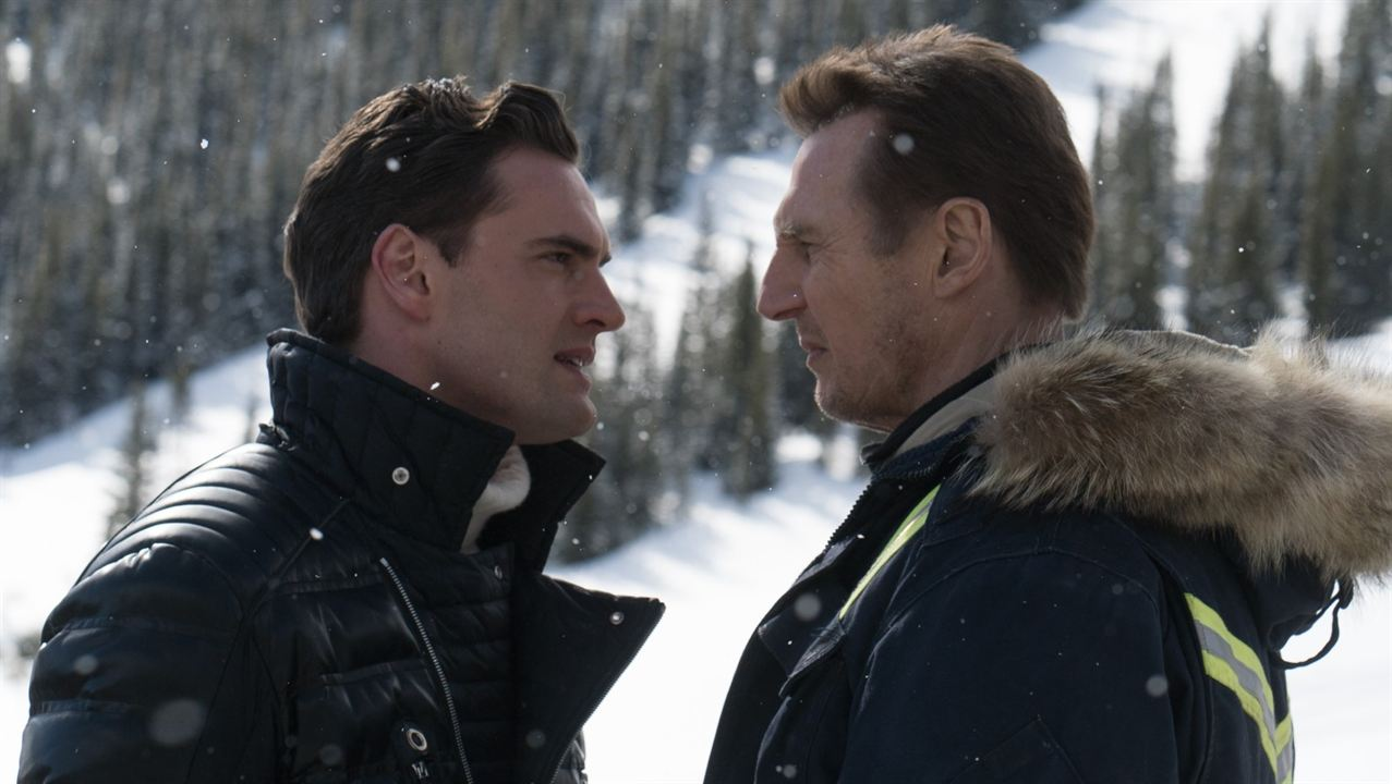 Hard Powder : Bild Liam Neeson, Tom Bateman