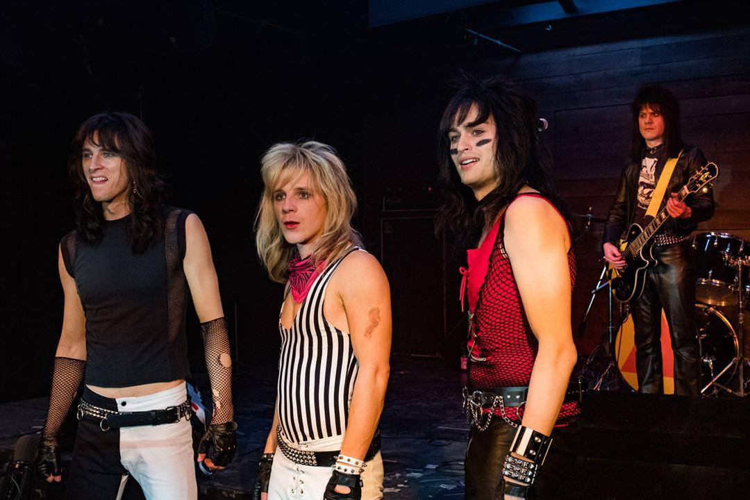 The Dirt: Sie wollten Sex, Drugs & Rock'n'Roll : Bild Daniel Webber, Douglas Booth, Iwan Rheon, Machine Gun Kelly