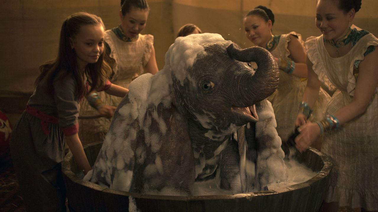 Dumbo : Bild Nico Parker