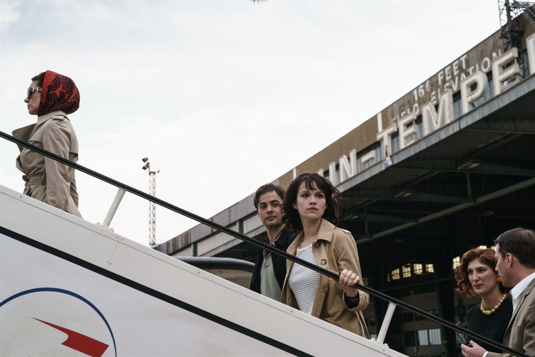 Traumfabrik : Bild Emilia Schüle, Nikolai Kinski